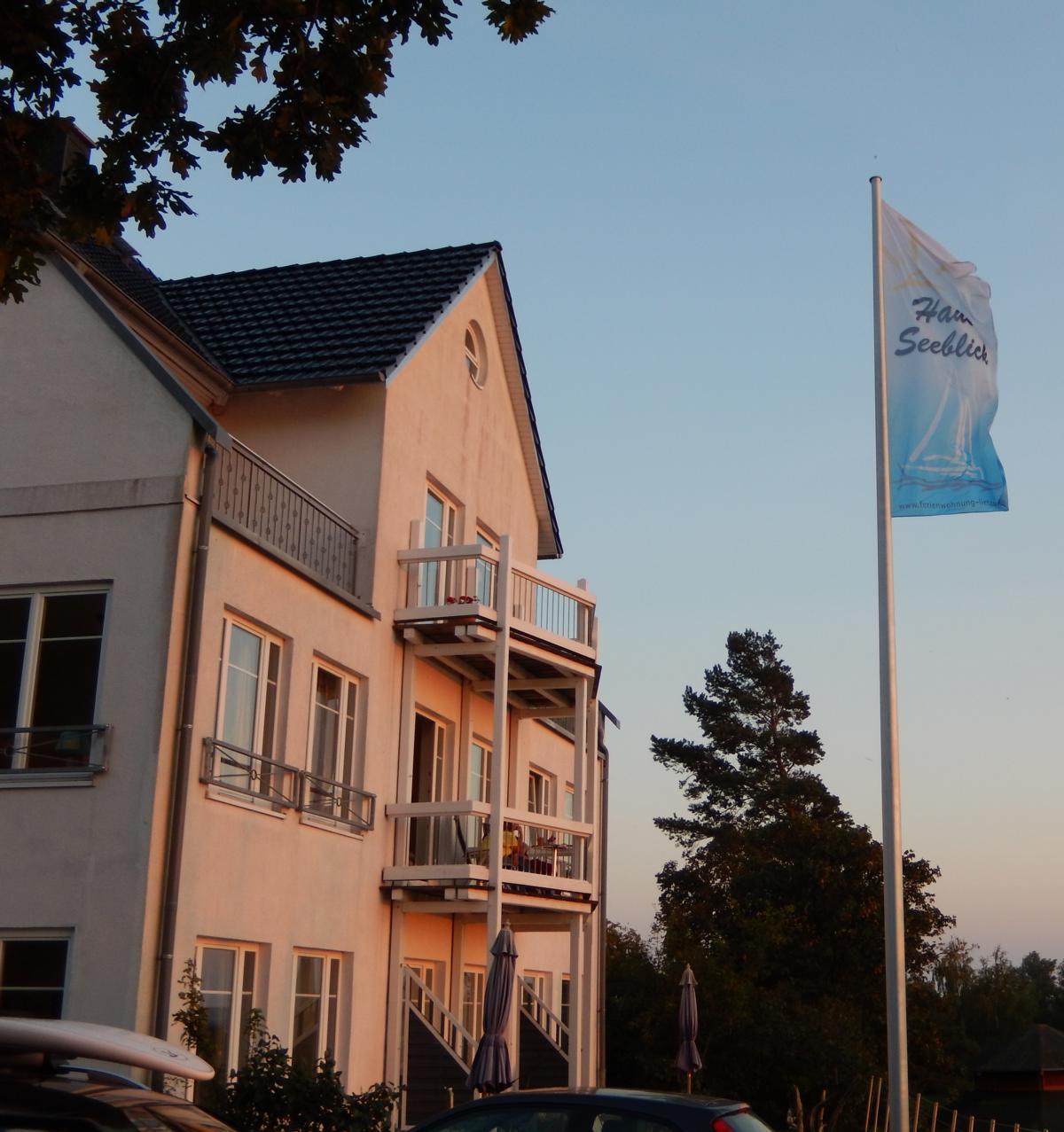 HAUS SEEBLICK Ferienwohnungen Rügen + Unterkünfte Insel